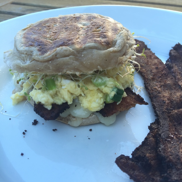{Green} Eggs & Bacon Breakfast Sandwich